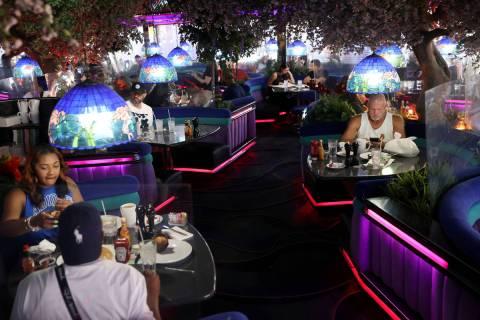 People dine at Peppermill in Las Vegas, Thursday, April 29, 2021. (Erik Verduzco / Las Vegas Re ...