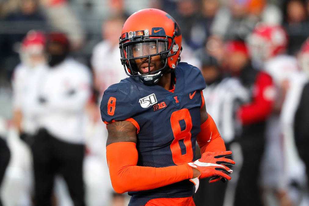 Illinois defensive back Nate Hobbs sets up on defense during the second half of an NCAA college ...