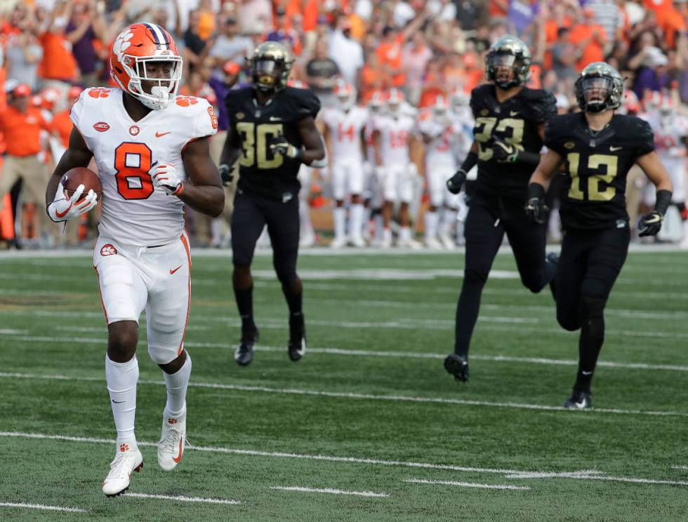 Clemson's Justyn Ross (8) runs for a touchdown against Wake Forest during the first half of an ...