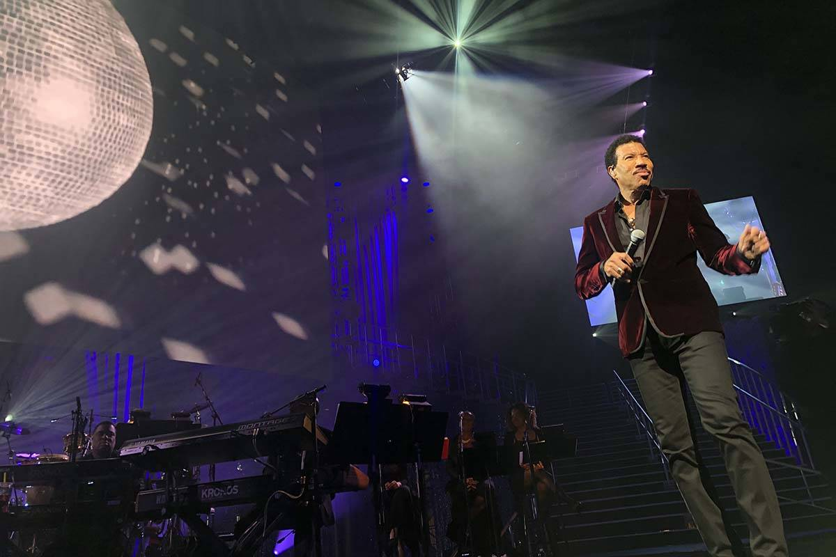 """Lionel Richie performs during the 23rd annual Keep Memory Alive """"Power of Love Gala"""" benefit fo ..."""