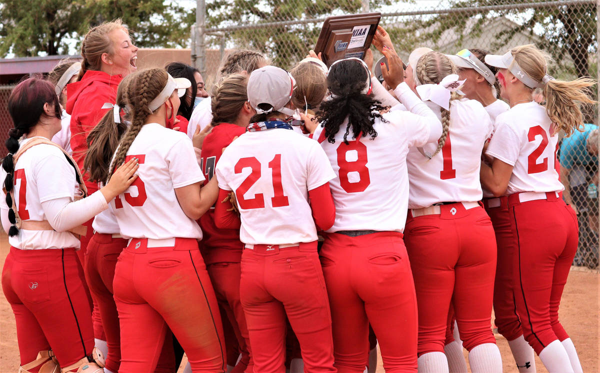 Arbor View celebrates with the Class 5A Southern Region tournament championship trophy after be ...