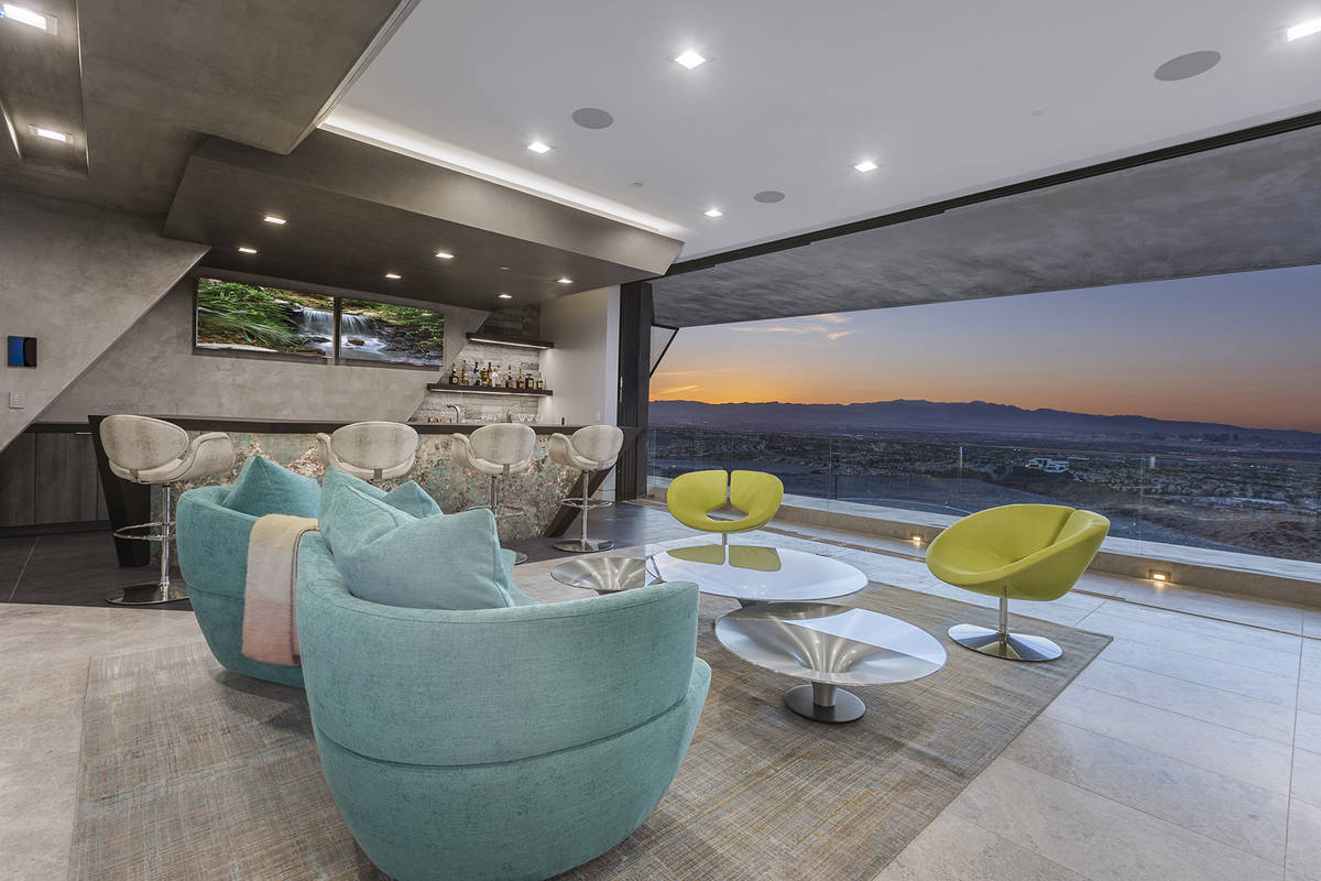 The Vegas neon color room. (Synergy Sotheby's International Realty)