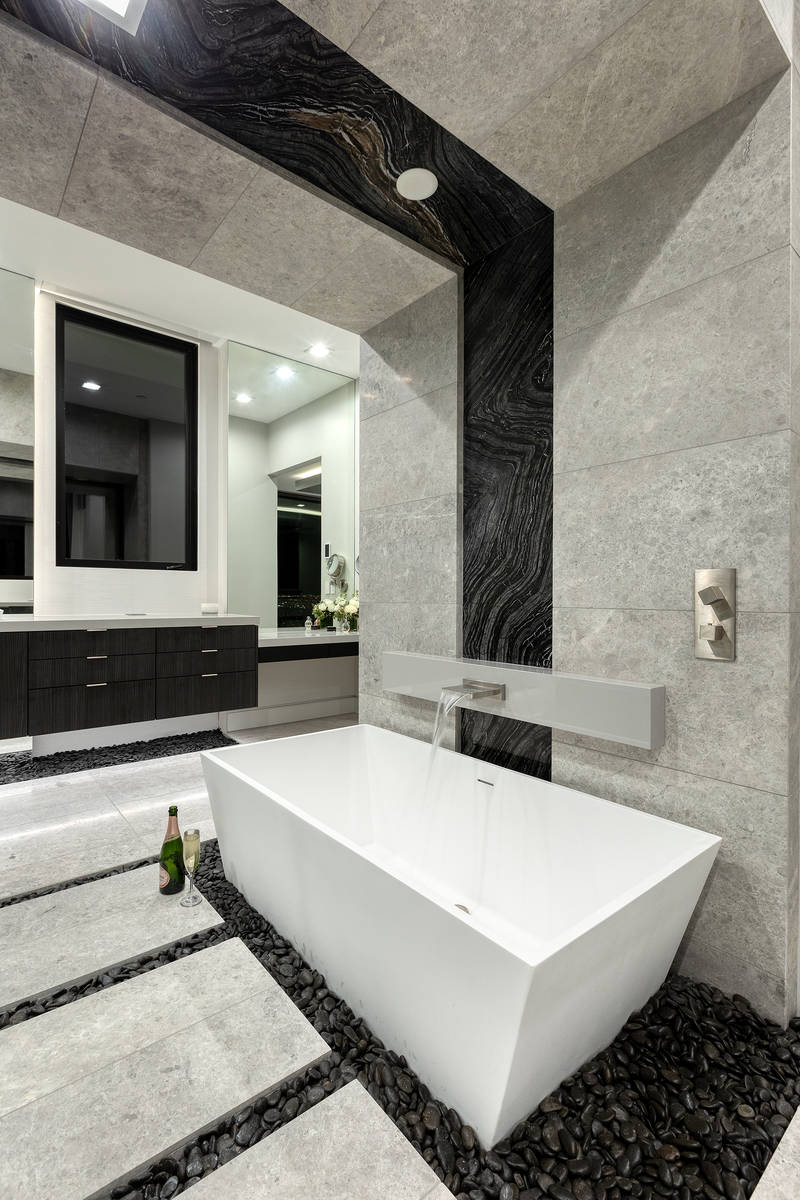 The master bath has a soaking tub. (Synergy Sotheby's International Realty)