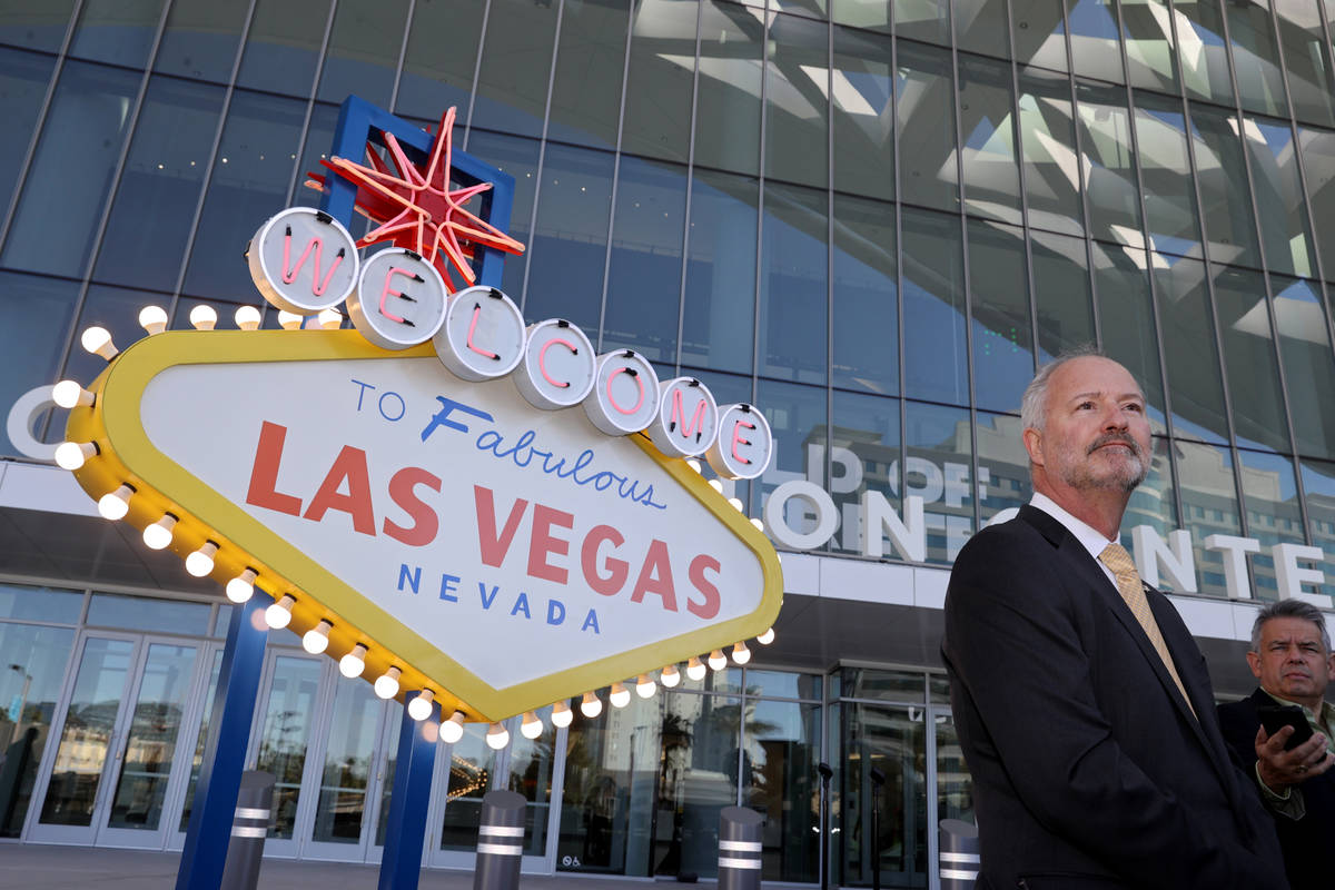 Las Vegas Convention and Visitors Authority President and CEO Steve Hill welcomes conventioneer ...