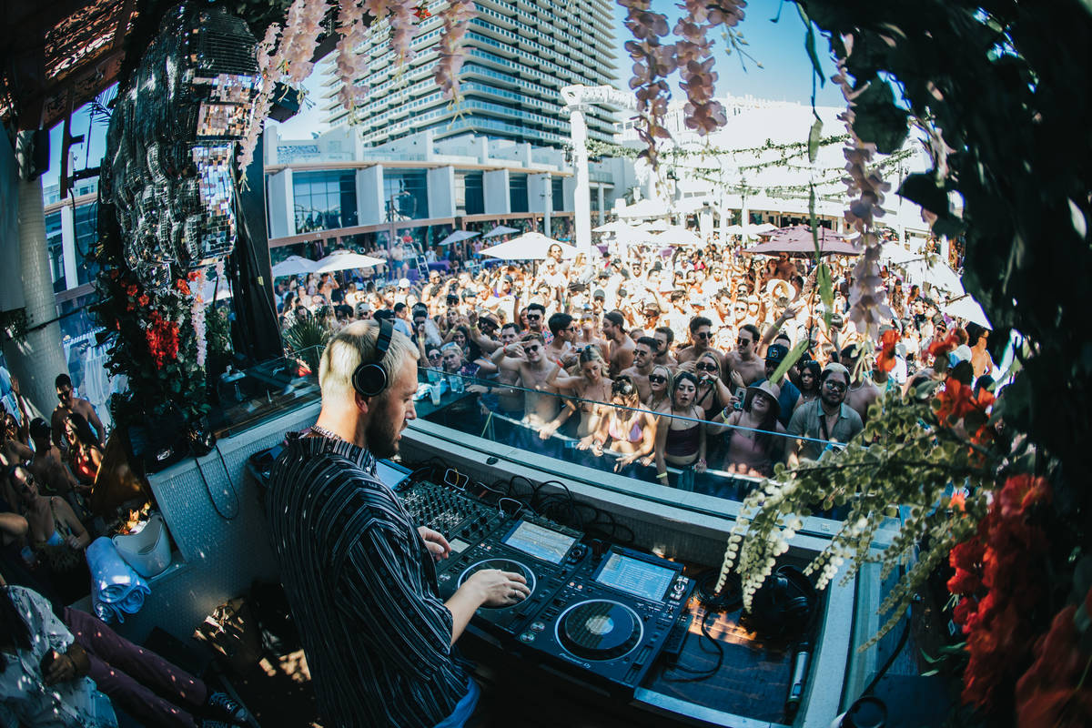 Chris Lake performs at Full Bloom Sundays at Marquee Day Club on Sunday, June 6, 2021. (Global ...