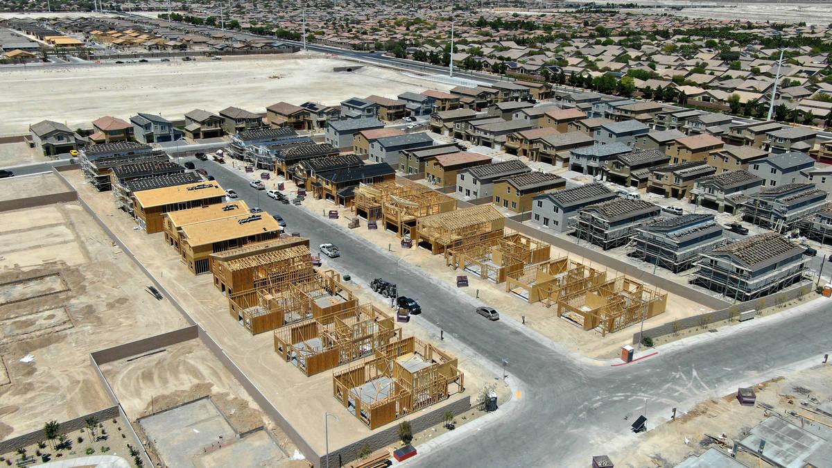 An aerial view of Luna Pointe, a housing development near Farm Road in North Las Vegas on Wedne ...