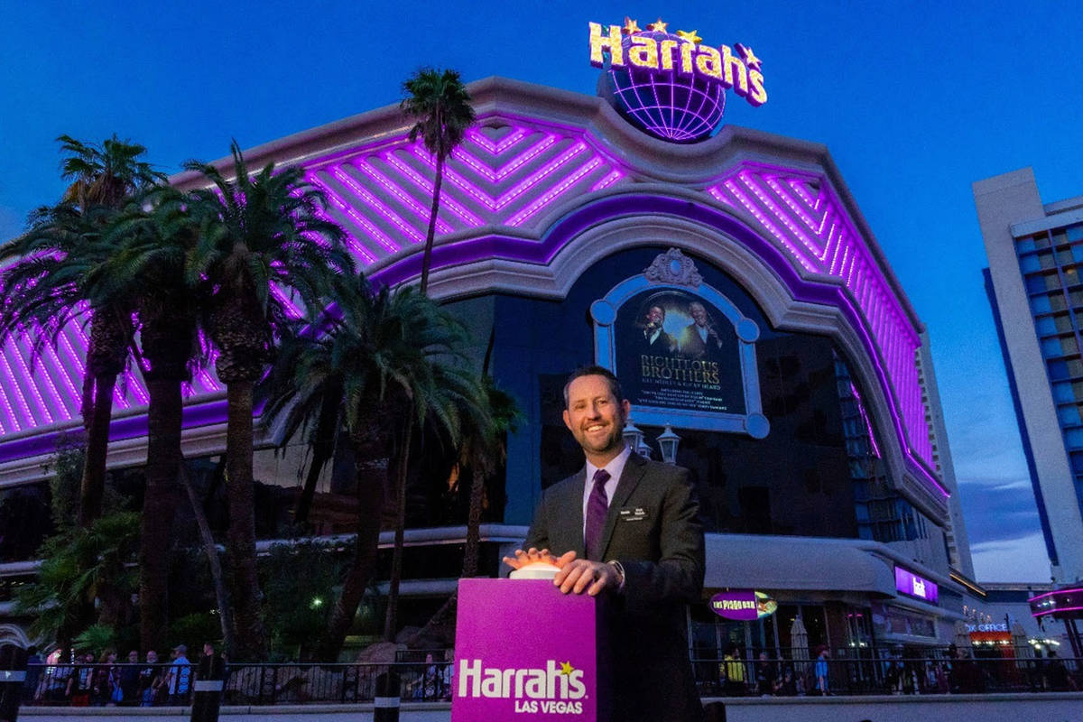 Harrah's Las Vegas Senior Vice President & General Manager Dan Walsh switches on the hotel-casi ...