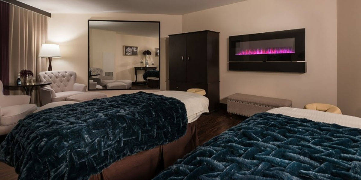 Couple's Treatment Room at The Spa at Harrah's Las Vegas (Caesars Entertainment)