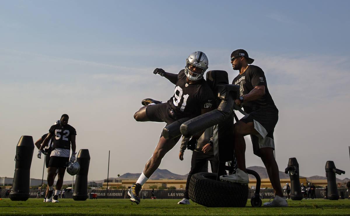 Raiders defensive end Yannick Ngakoue trains during an NFL football minicamp at Raiders headqua ...