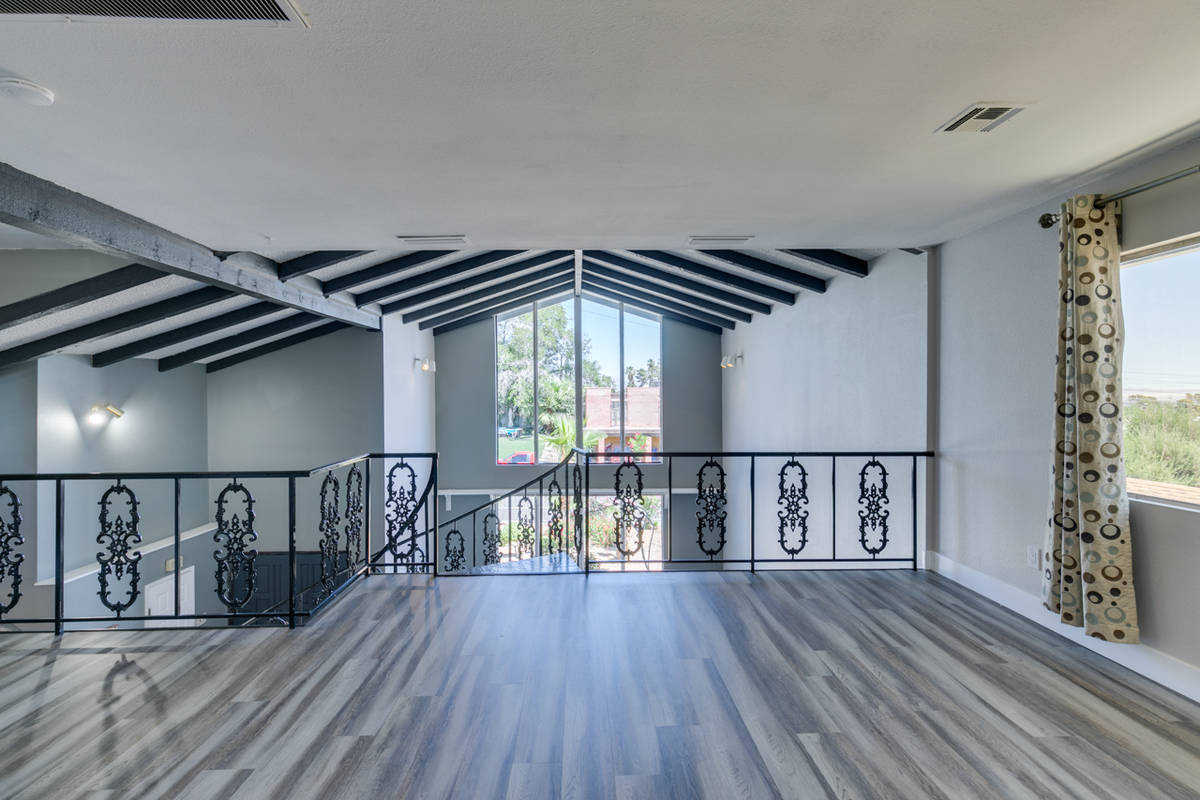 An interior view of 1632 Bonita Ave. (Jason Almeida)