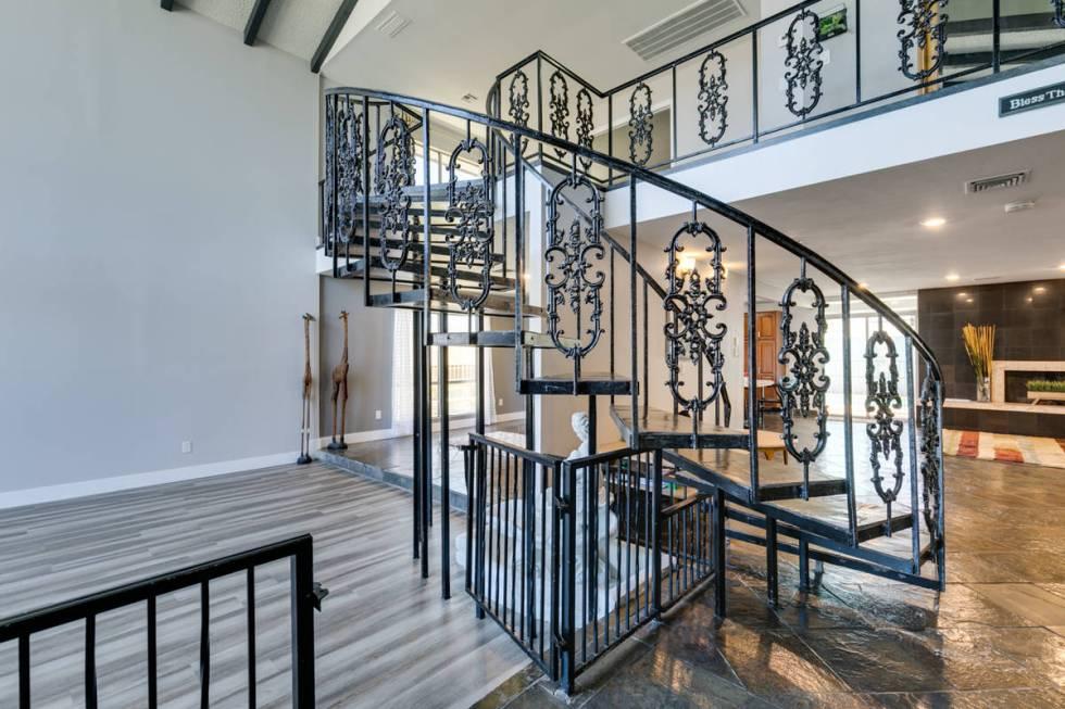 The staircase at 1632 Bonita Ave. (Jason Almeida)
