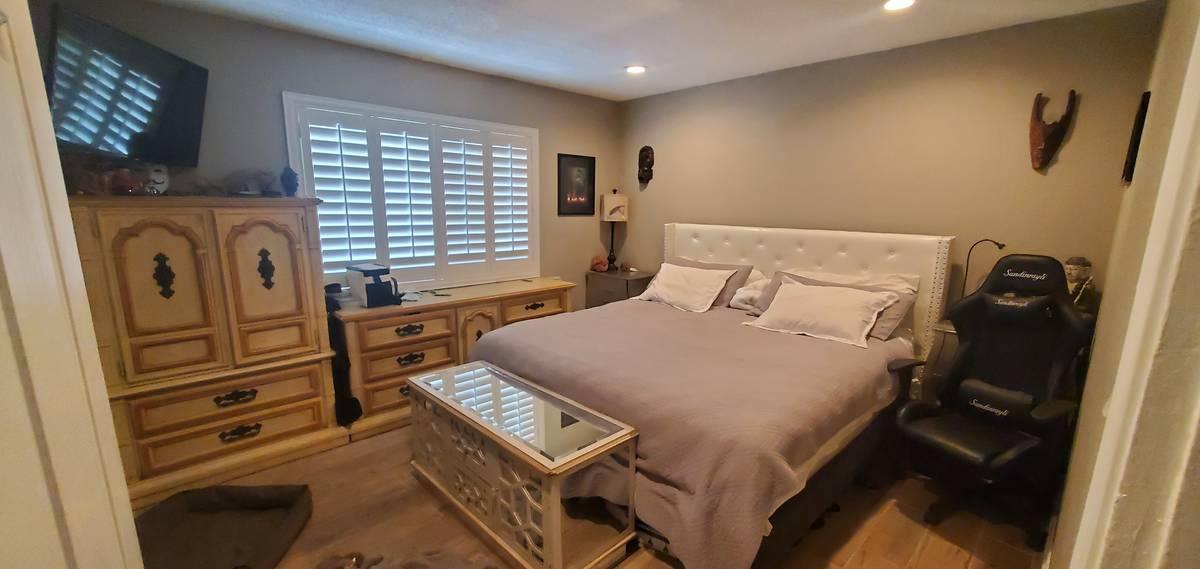 A bedroom at 1819 Beverly Way. (Kiya Krivickas)