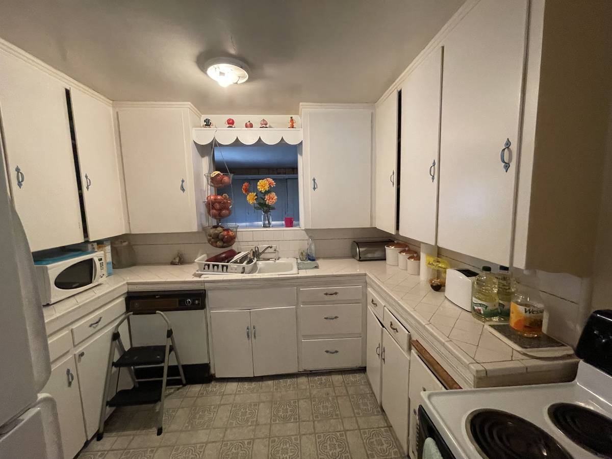 The kitchen of 1253 S. 9th St. (Paul Rich)