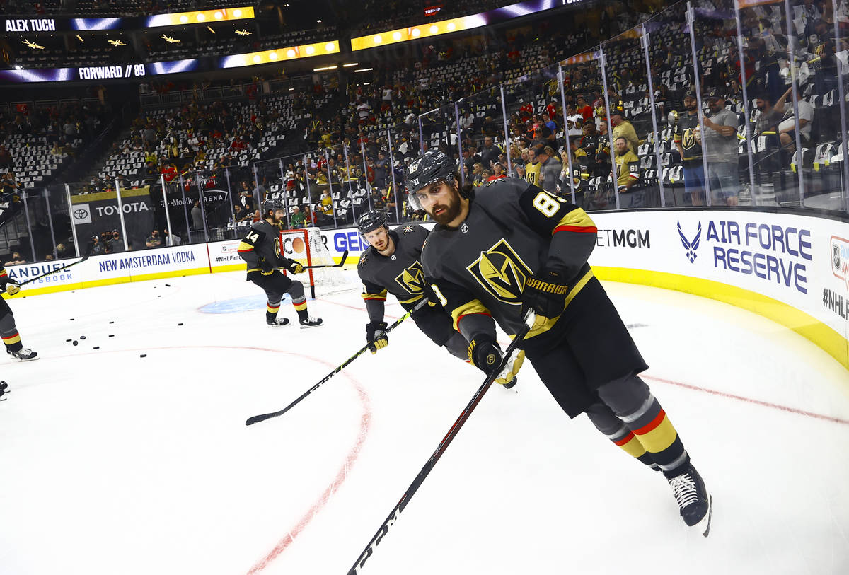 Golden Knights' Alex Tuch (89) warms up before taking on the Montreal Canadiens in Game 1 of an ...