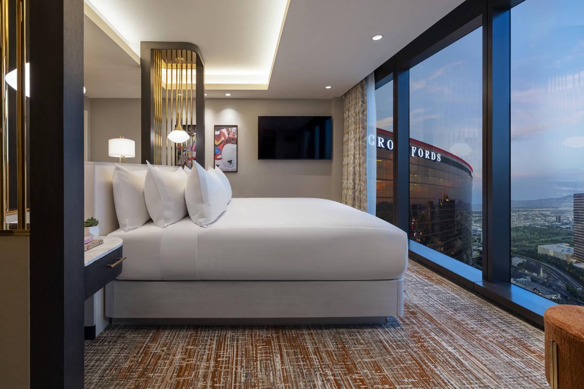 Resorts World Las Vegas Hilton One Bedroom Entertainment Suite Master Bathroom. (Resorts World ...