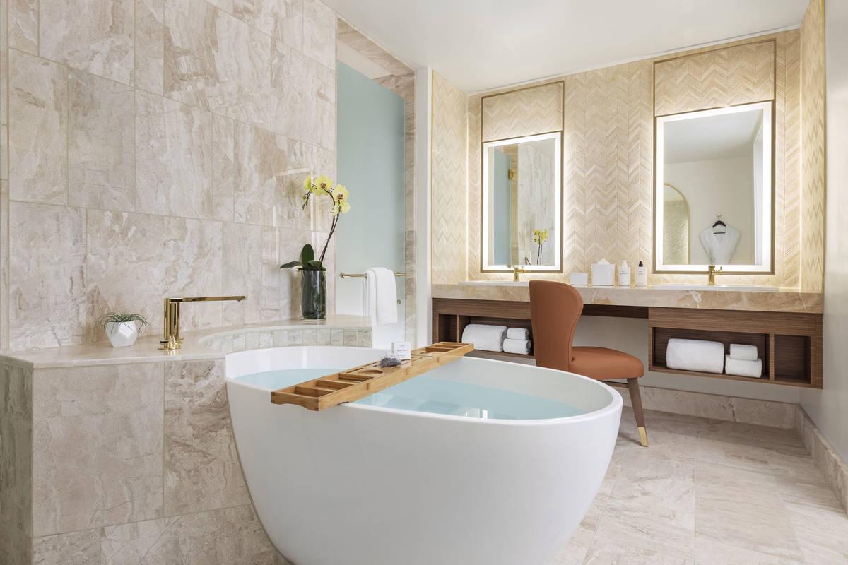 Resorts World Las Vegas Hilton One Bedroom Entertainment Suite Bathroom. (Resorts World Las Vegas)