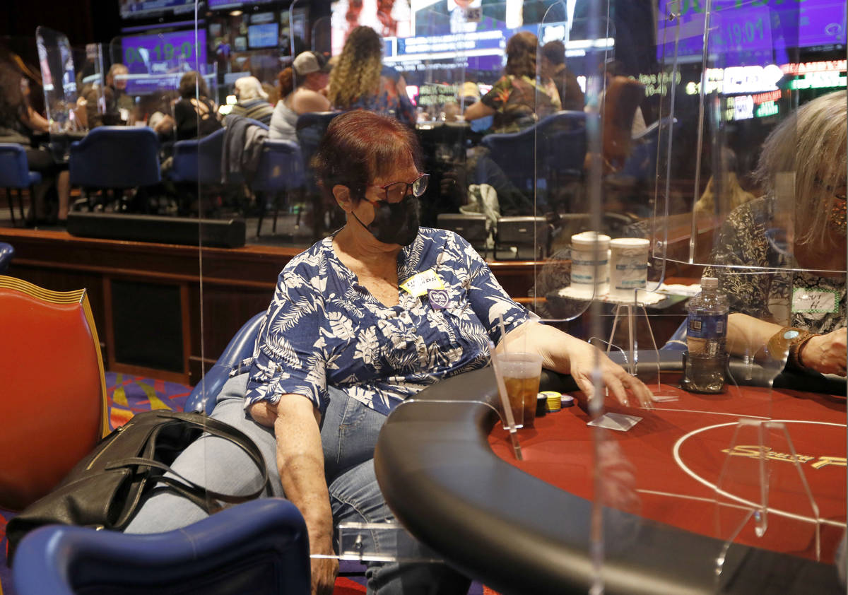 Linda Johnson, Poker Hall of Fame inductee, plays in $175 No-Limit Hold'em Ladies tournament du ...