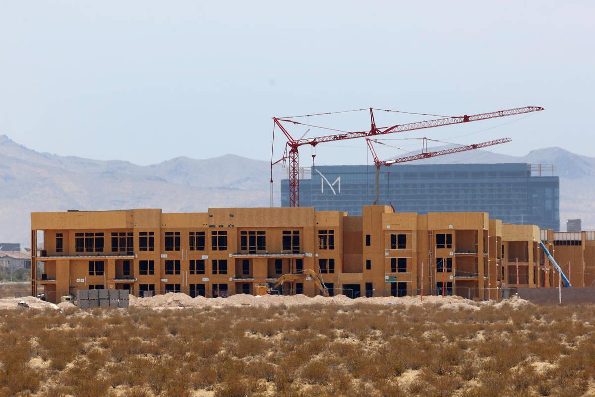 The Ariva apartment complex under construction near Erie Avenue and Las Vegas Boulevard South i ...