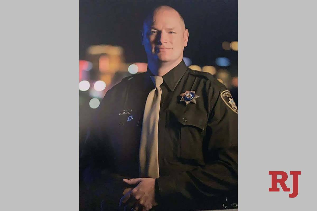 Las Vegas officer Jason Swanger has died from COVID-19. (Injured Police Officers Fund)
