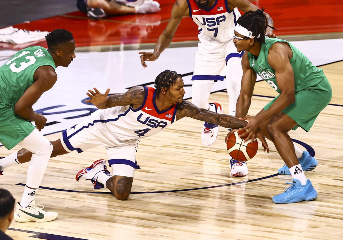USA Basketball's Bradley Beal (4) battles for the ball against Nigeria's Chima Moneke (9 ...