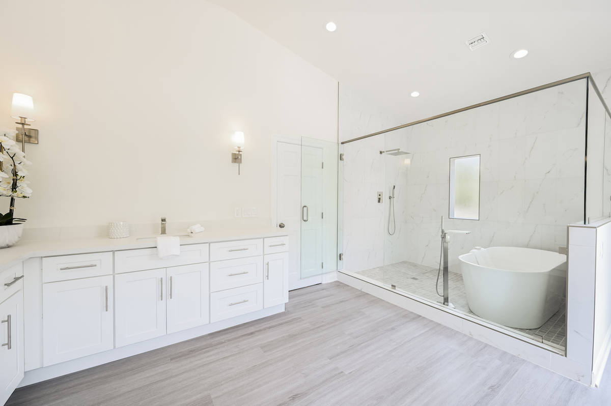 The home has 5.5 baths, including the master. (LUXE Estates & Lifestyles)