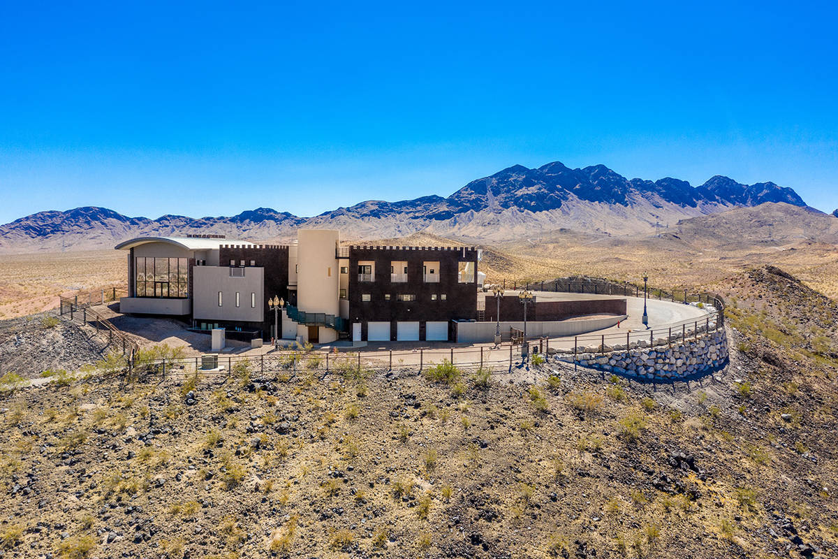 Lance Burton closes Vegas curtain after selling mansion for $4M