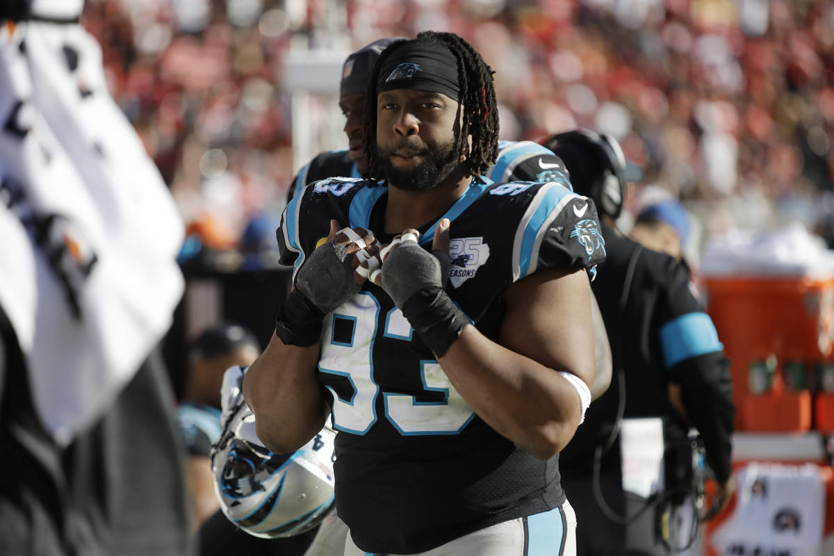 Raiders bolster defense by signing 6-time Pro Bowler