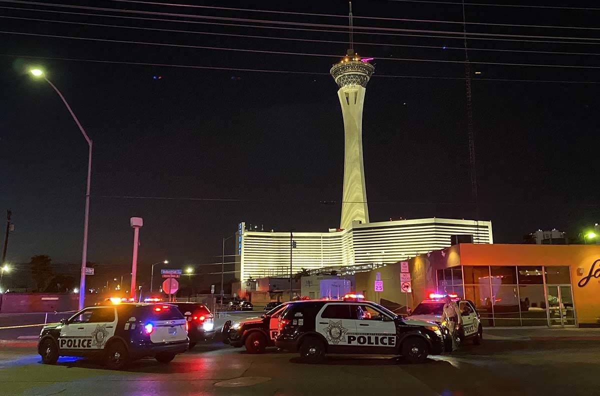 Las Vegas constabulary  analyse   a treble  homicide connected  Chicago Avenue. (Glenn Puit / Las Vegas Revie ...