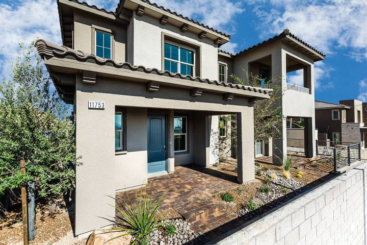 Richmond American Homes opens town home community Moro Pointe in Summerlin West's Redpoint Squa ...
