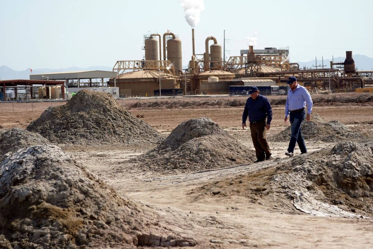 Rod Colwell, CEO of Controlled Thermal Resources, right, and Tracy Sizemore, the company's Glob ...