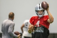 Raiders report: Carr, Ruggs shine in first padded practice