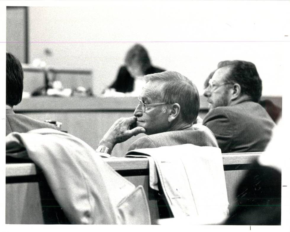 Harry Claiborne in court in 1987 next to fellow lawyer Oscar Goodman, right, after Claiborne wa ...