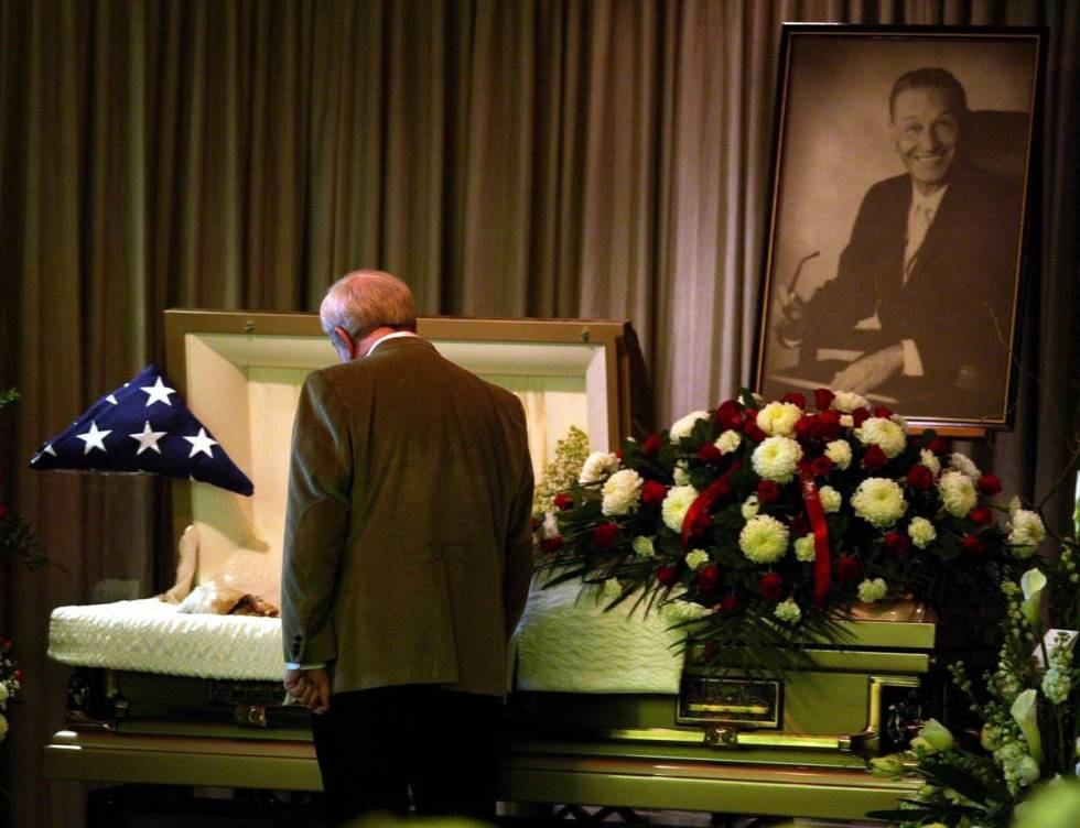 Friends say final farewells to former U.S. District Judge Harry Claiborne during funeral servic ...