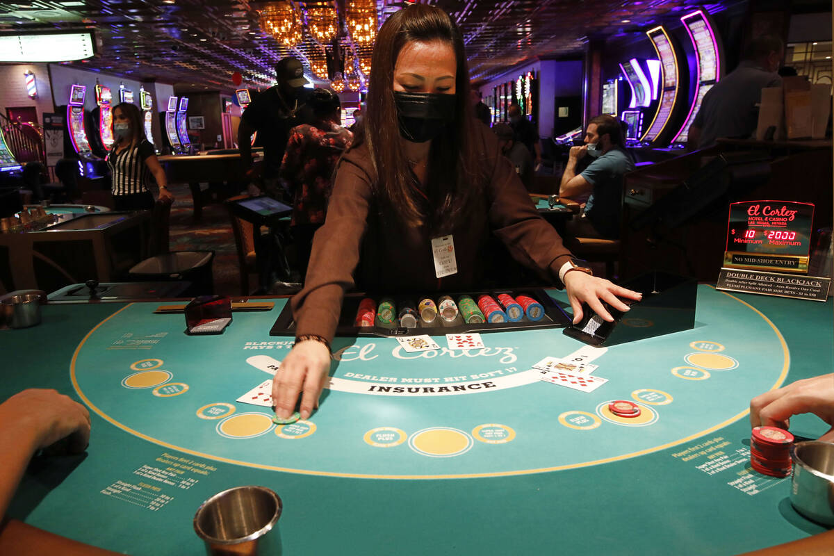 Blackjack Dealer Leu Pham works at El Cortez in Las Vegas, Saturday, Sept. 4, 2021. (Chitose Su ...