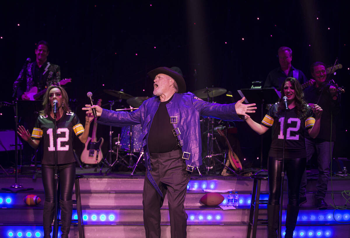 """Legendary NFL quarterback and broadcaster Terry Bradshaw performs during """"The Terry Brad ..."""