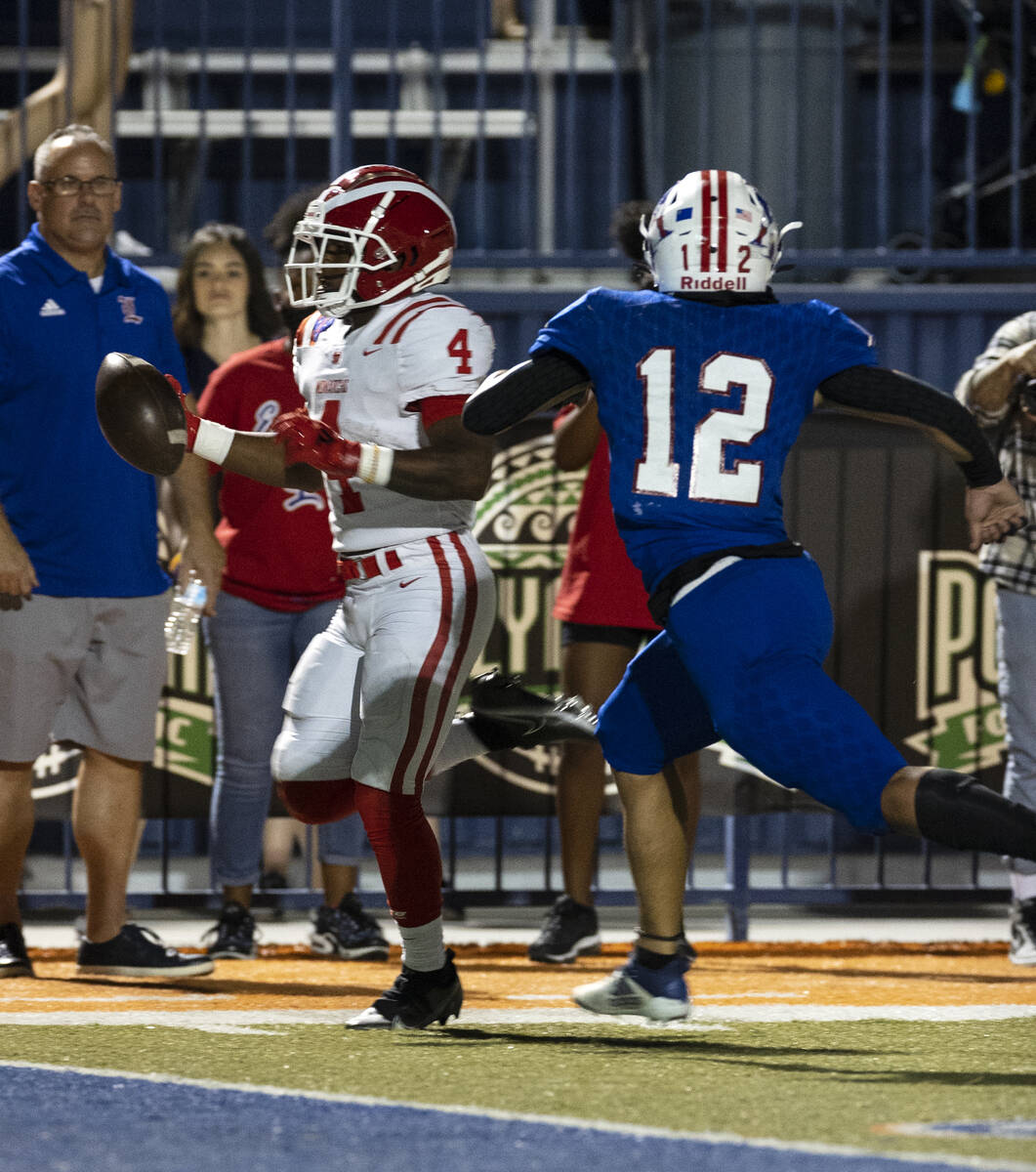 Mater Dei High's running back Raleek Brown of Calif., (4) goes for a touchdown as Liberty Hi ...