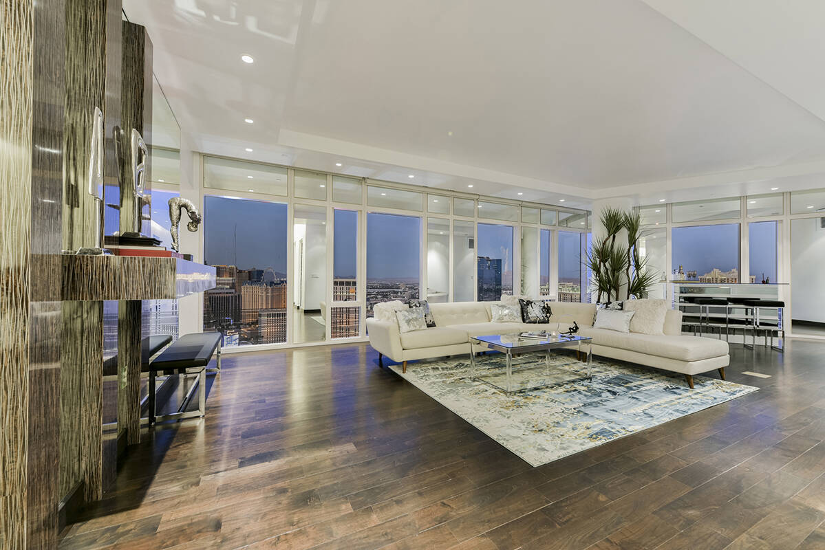 Michelle Manley, Award Realty A unit on the 33rd floor in the Waldorf Astoria sold for $4.085 ...
