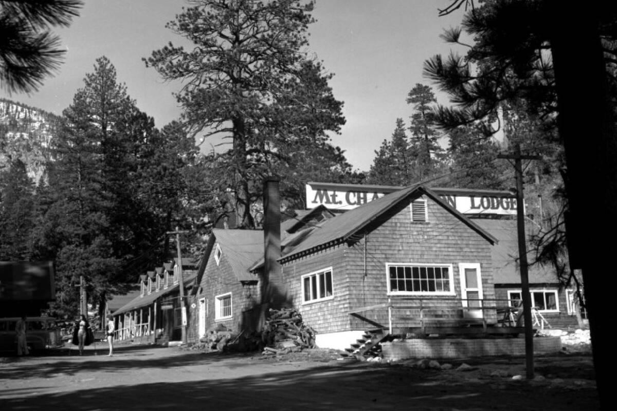 Mount Charleston Lodge pictured on Jan. 26, 1953. (Las Vegas News Bureau)