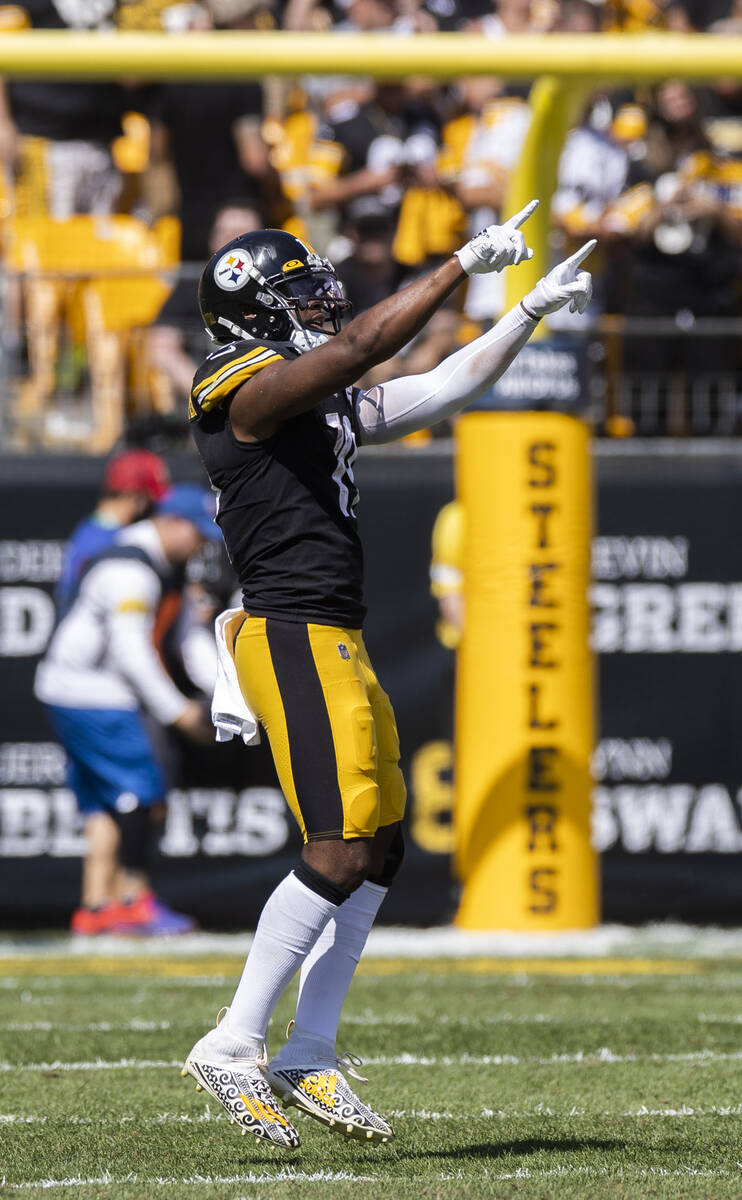 Pittsburgh Steelers wide receiver JuJu Smith-Schuster (19) celebrates after scoring a touchdown ...