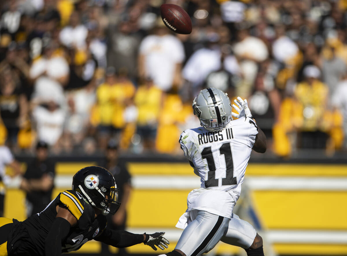 Raiders wide receiver Henry Ruggs III (11) catches a touchdown past Pittsburgh Steelers free sa ...