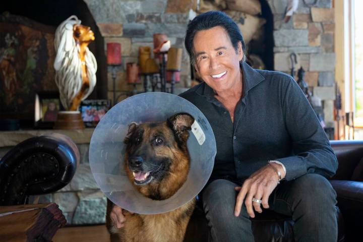 Wayne Newton with his dog Tosca at his ranch in Rollins, Mont., Wednesday, Sept. 30, 2020. (Rac ...