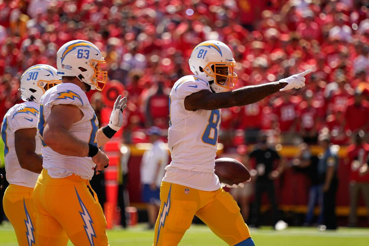 Los Angeles Chargers' Mike Williams (81) celebrates after a touchdown reception during the seco ...