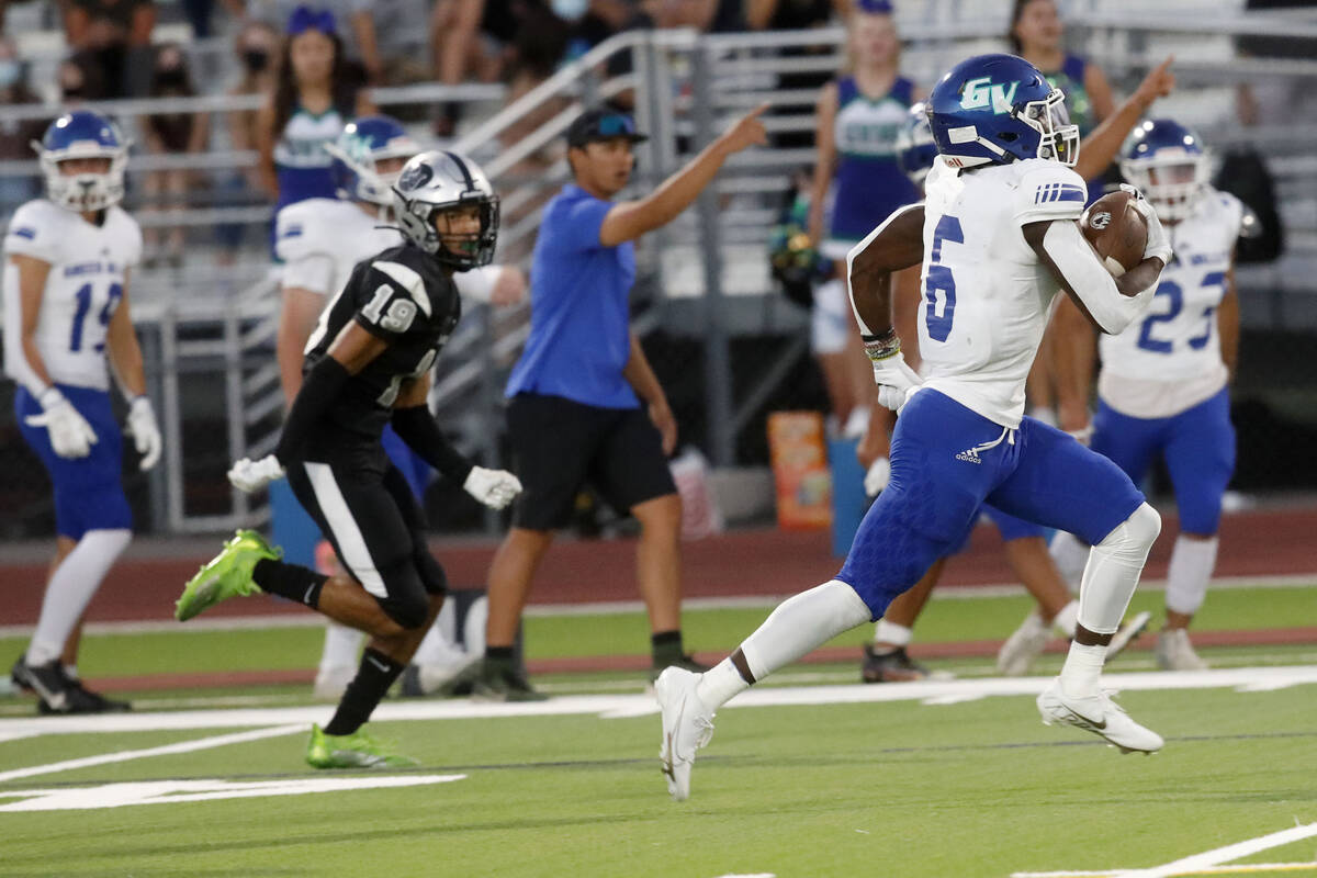 Green Valley High School's Jaylen McKnight (6) runs into the end zone for a touchdown during th ...