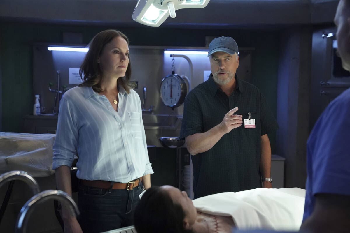 Jorja Fox, left, as Sara Sidle and William Petersen as Dr. Gil Grissom. (Sonja Flemming/CBS)