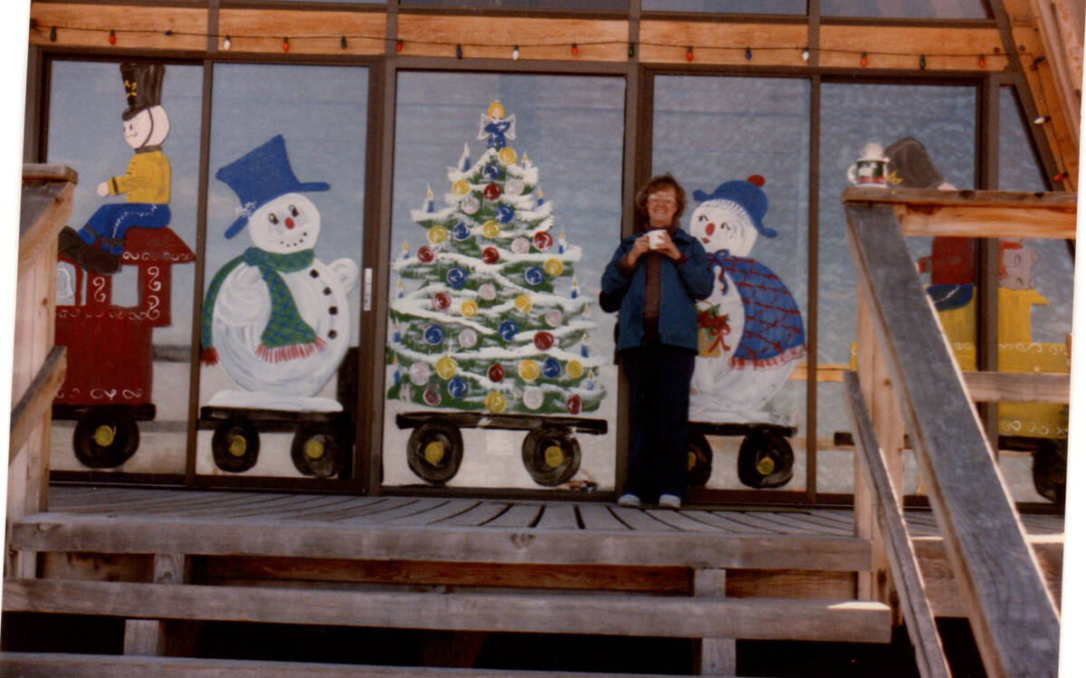 Debbie and Rich Olsen's off-the-grid getaway dresses it up during the holidays. (Mt. Charleston ...
