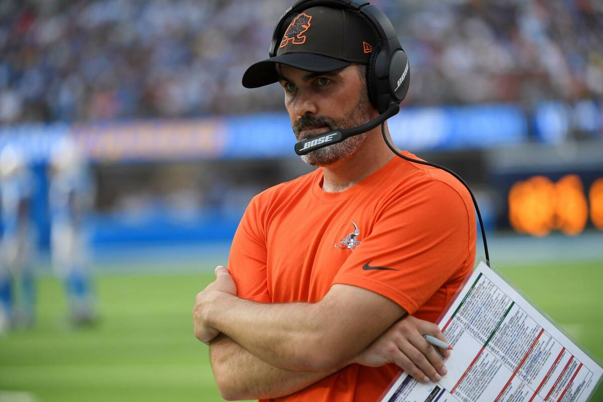 Cleveland Browns head coach Kevin Stefanski watches from the sideline during the second half of ...